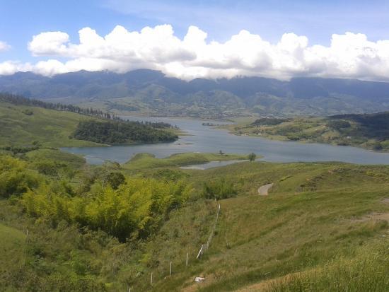 Calima Lake : Vista Lago Calima