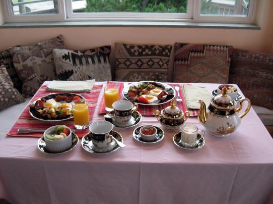 Zen Garden Bed and Breakfast: Zen Breakfast