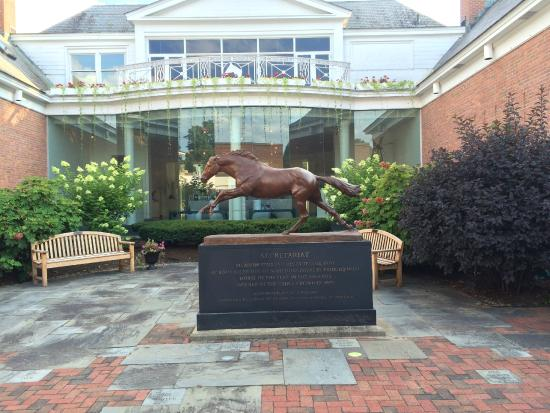 National Museum of Racing and Hall of Fame: Secretariat Sculpture Museum Courtyard