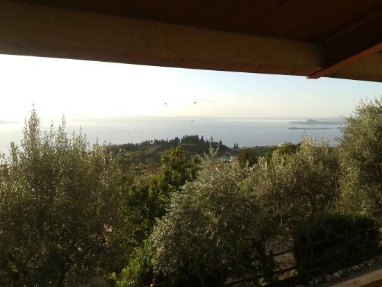 Agriturismo Scuderia Castello: Veduta sul lago