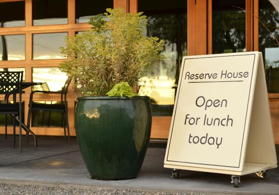 Woodward Canyon Winery: The Reserve House Restaurant serves lunches May through October