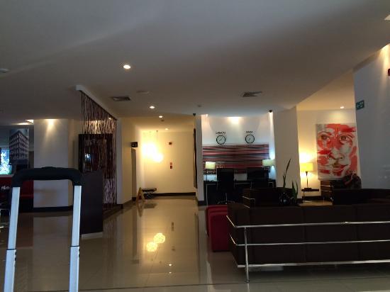 GH Guaparo Inn: lobby