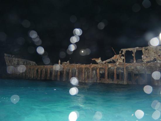 Bimini: Sapona at Night