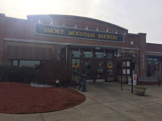 Smoky Mountain Brewery: Entrance