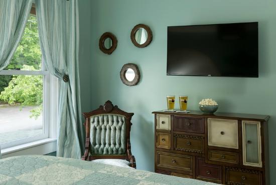 Little Squam Room at the Squam Lake Inn