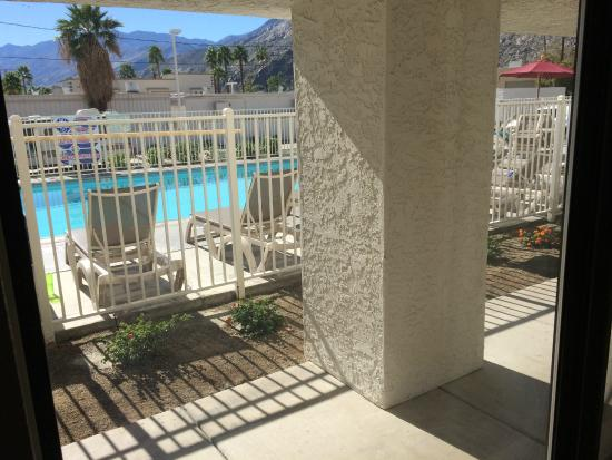 Motel 6 Palm Springs Downtown: The room was described as having a 'pool view'.