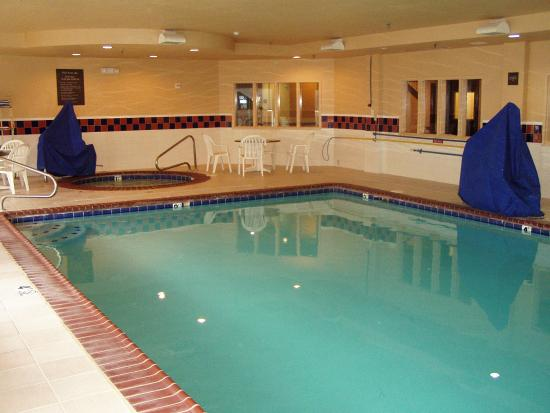 Comfort Inn & Suites: Indoor Pool and Spa