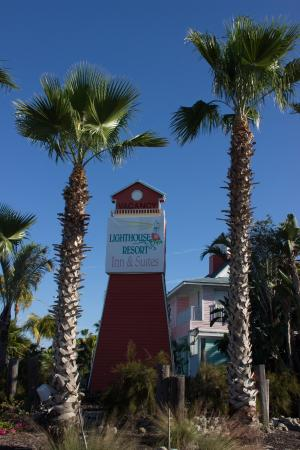Lighthouse Resort Inn And Suites: Hotel Entrance/Sign