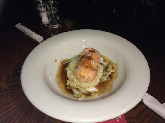 Pentre Berw, UK: Cod fillet wrapped in smoked salmon with teriyaki sauce