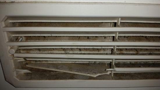 Hotel Drei Koenige : Entlüftung in der Badezimmertür