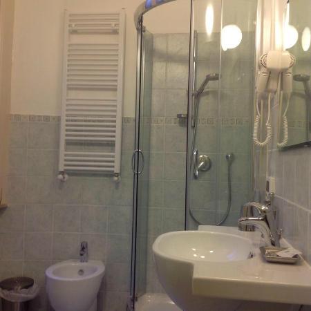 Affitta Camere Rental in Rome 2000: Bagno privato