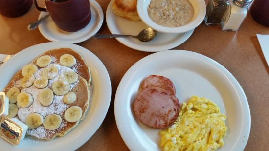 The Golden Nugget Pancake House: Total breakfast