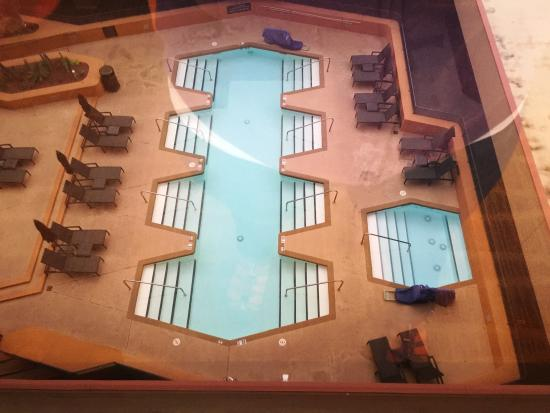 Outdoor pool hot tub picture of hyatt regency phoenix phoenix tripadvisor for Phoenix swimming pool white city