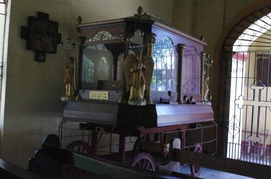 Asingan, Filippinene: St Thomas' shrine