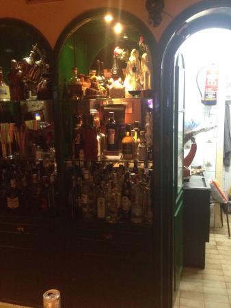 Bar Tito's