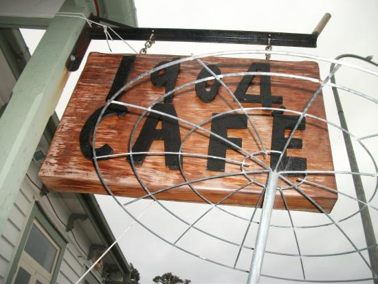 1904 Cafe : The signboard