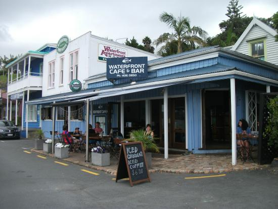 Waterfront Cafe & Bar: Outside of restaurant