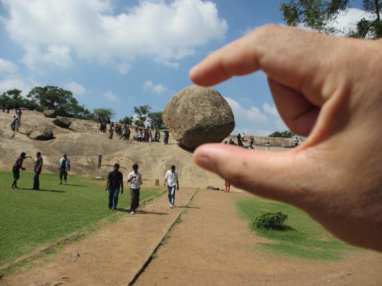 Krishna's Butter Ball: 世界遺産 バターボール