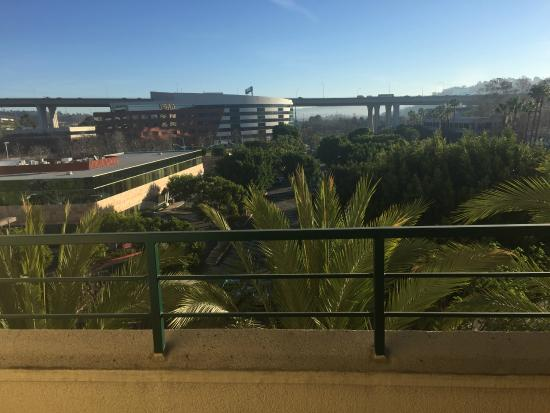 DoubleTree by Hilton Hotel San Diego - Mission Valley: View from the Room on the 5th floor