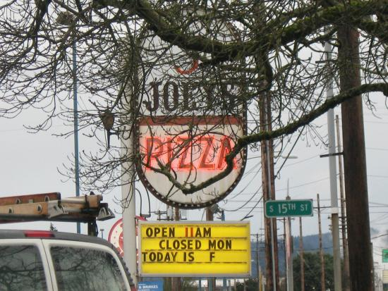 Joey's Pizza : Sign