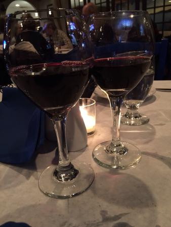 Yianni's Taverna: Wine