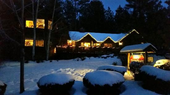 Alpenhorn Bed and Breakfast Inn : Alpenhorn is a place to relax and chill...then go out and ski the Hills.