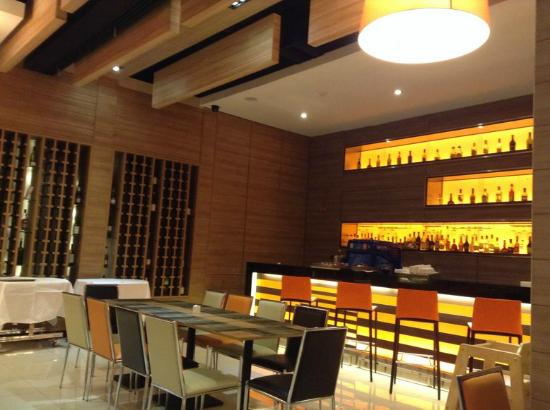 Mida Hotel Ngamwongwan: ห้องอาหาร