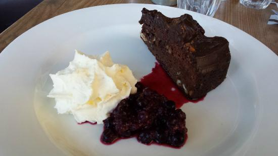 Sugar Beat Bakehouse & Coffee Shop: Delicious and huge Brownie