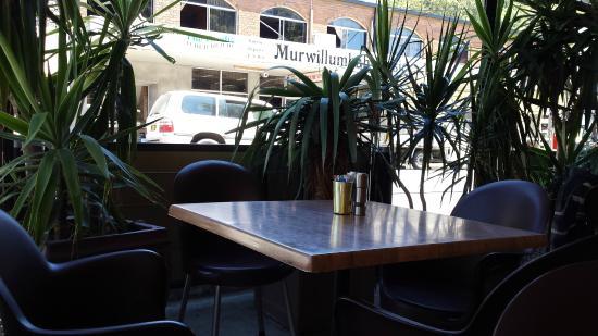 Sugar Beat Bakehouse & Coffee Shop: Alfresco table