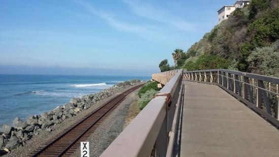 San Clemente, كاليفورنيا: The bridge that connects the trail