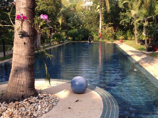 La Maison d'Angkor: Superbe piscine