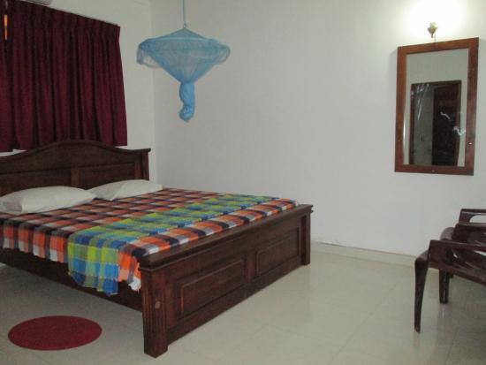 Normal Bedroom Designs normal bedroom - picture of saranga holiday inn, wellawaya