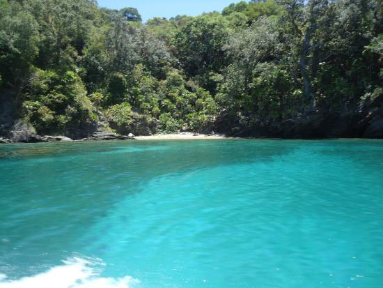 Honduras: Un recorrido por las aguas turquezas de Cayos Cochinos