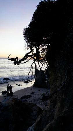 El Pescador State Beach: gorgeous pristine sunset along Malibu beach