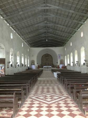 Tangalan, ฟิลิปปินส์: Looking to altar