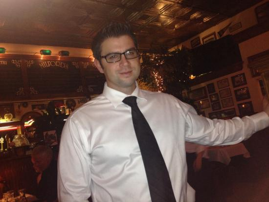 Great waiter very nice guy picture of milford 39 s fish for Milfords fish house