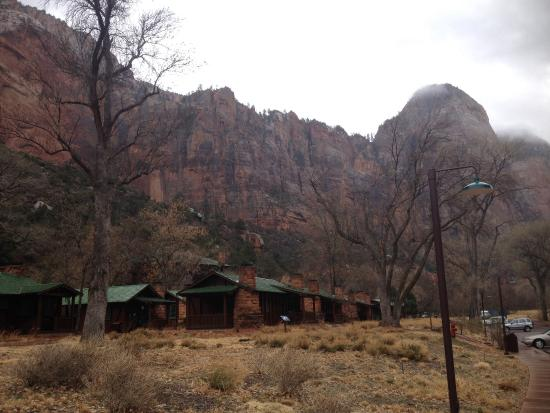 Jack's Sports Grill: Cabins in Zion NP. Right nearby.