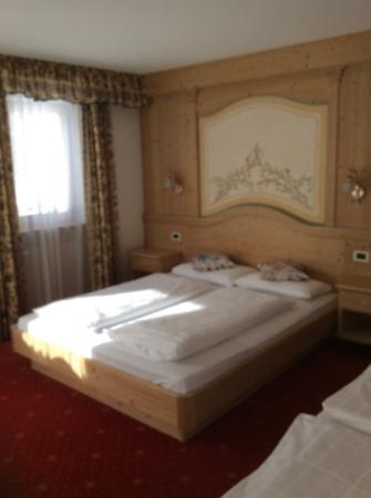 Hotel Vajolet : camera da letto