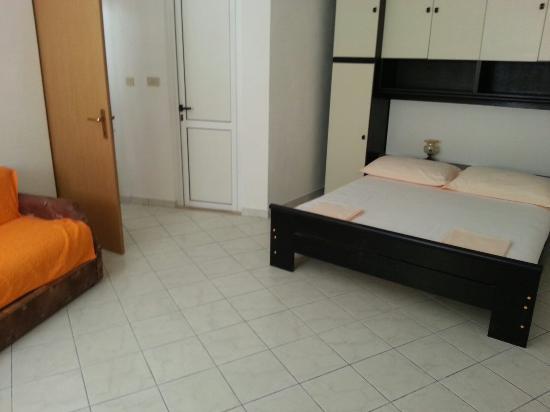 Apartments Pino