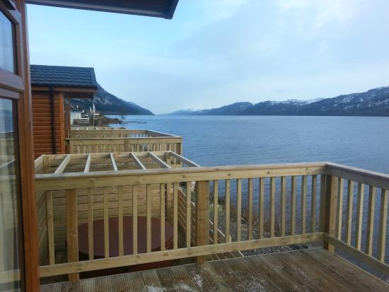 Loch Ness Highland Lodges : Balcony and hot tub
