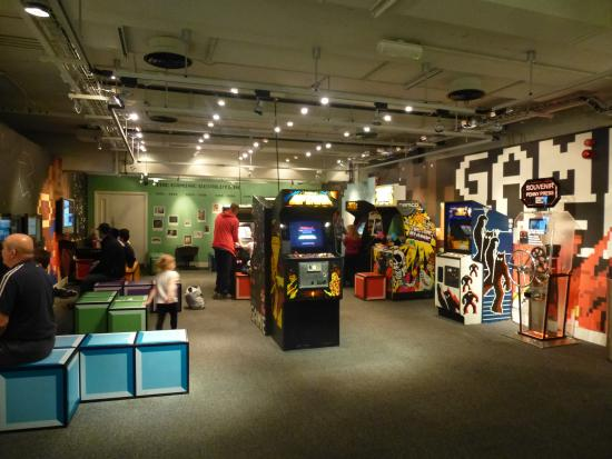 National Science and Media Museum: Old arcade games & computer room ....