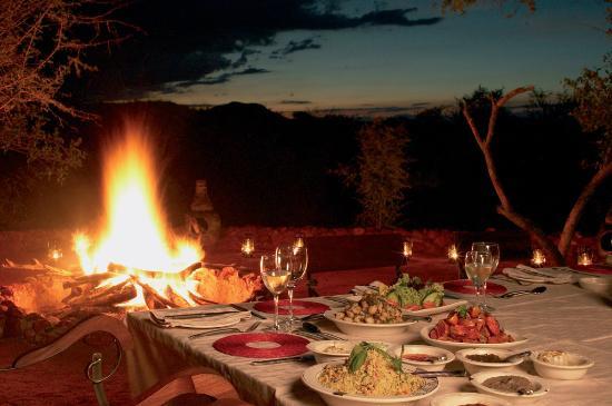 Etali Safari Lodge: Dinners in our boma offer culinary delight.