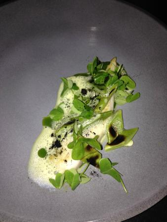 Restaurant Numéro 7 : Fish with burnt lemon zest, watercress and magic