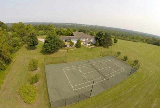 Zephyr, Kanada: Tennis
