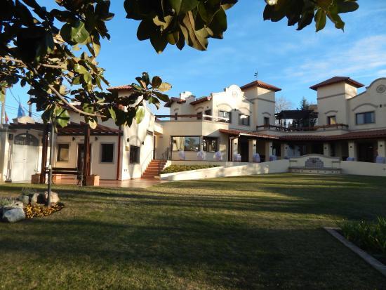 Raices Del Carolino - Suites de Alta Gracia: Vista general