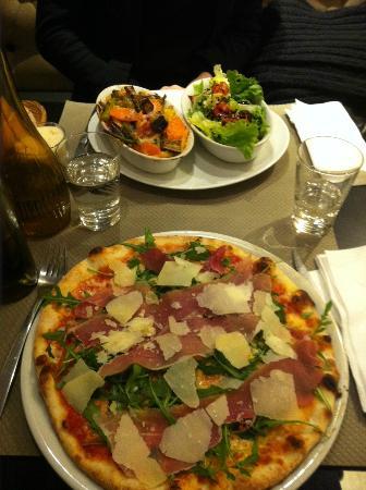 Il Primo Bacio: pizza et gratin de pates aux légumes frais!!