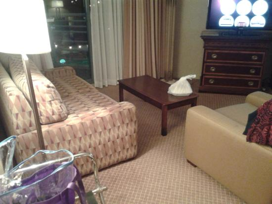 Hilton Melbourne Rialto Place: comfy couch