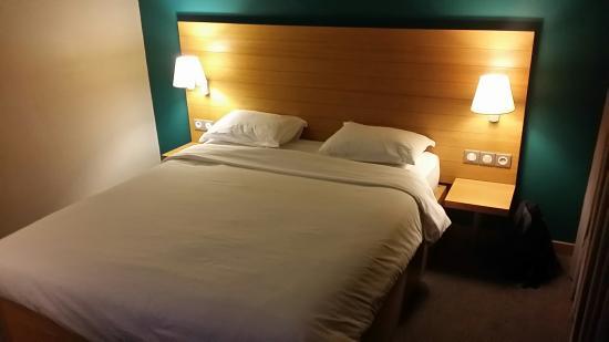 B&B Rabat Médina : Spacious room and comfortable bed