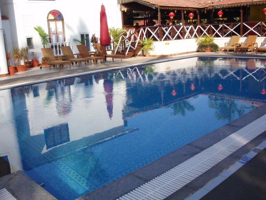 Colonia Santa Maria (CSM): Main pool