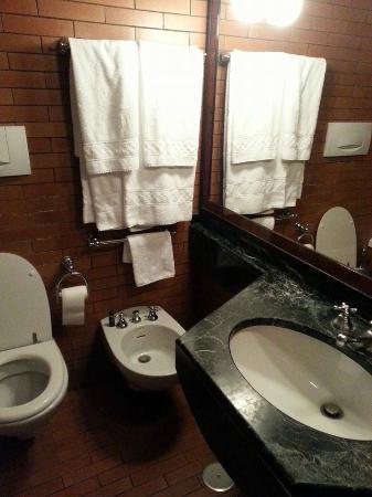 Colony Hotel: il mio bagno
